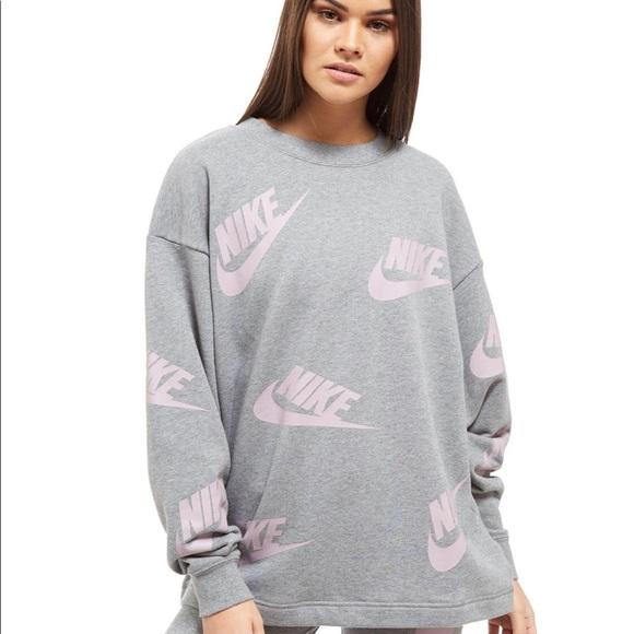 nike futura sweatshirt womens
